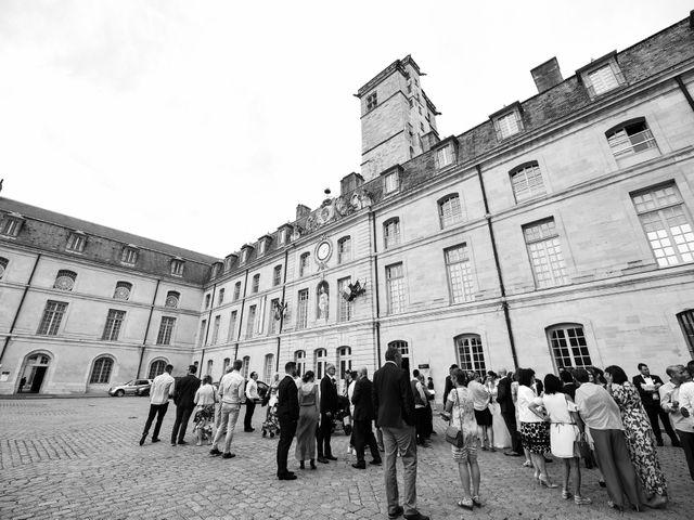 Le mariage de Maxime et Marine à Dijon, Côte d'Or 37