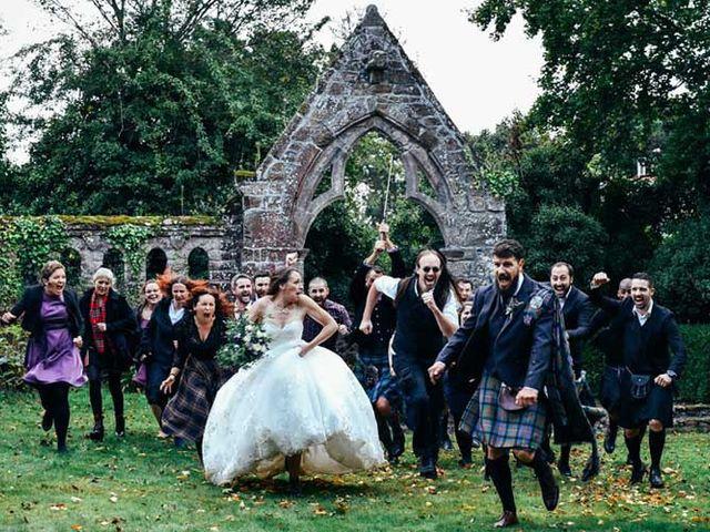 Le mariage de Anthony et Laura à Plouha, Côtes d'Armor 2