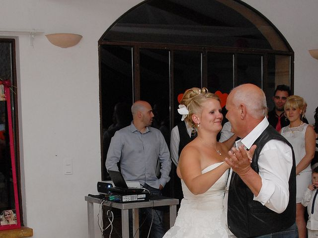 Le mariage de Thomas et Déborah  à Tavernes, Var 13