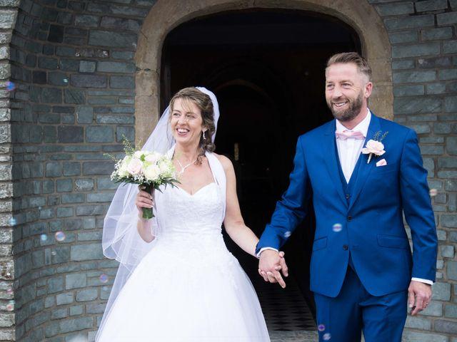 Le mariage de David et Martine à Octeville, Manche 16