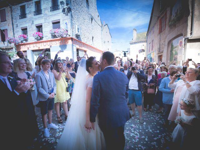 Le mariage de Aurélien et Élise à Saint-Chély-d'Apcher, Lozère 32