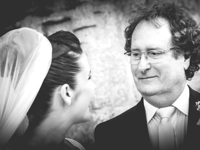 Le mariage de Aurélien et Élise à Saint-Chély-d'Apcher, Lozère 33