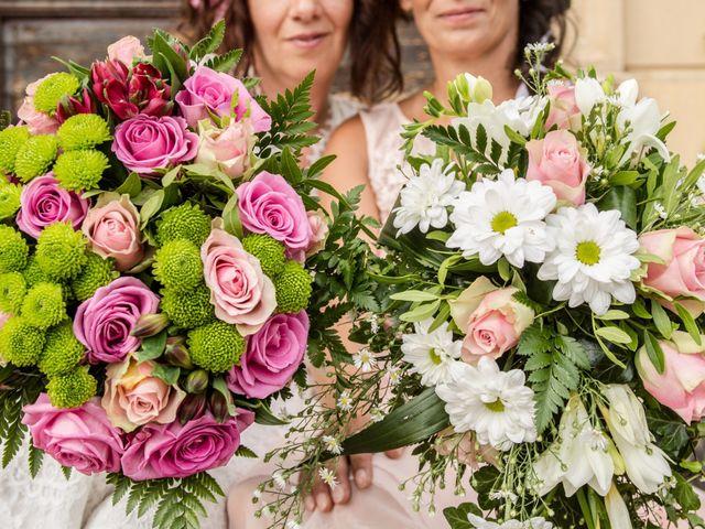 Le mariage de Sophie et Caroline à Cordelle, Loire 2