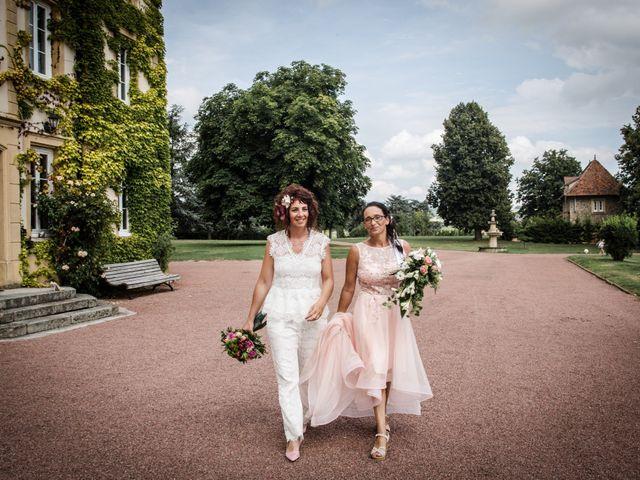 Le mariage de Sophie et Caroline à Cordelle, Loire 3