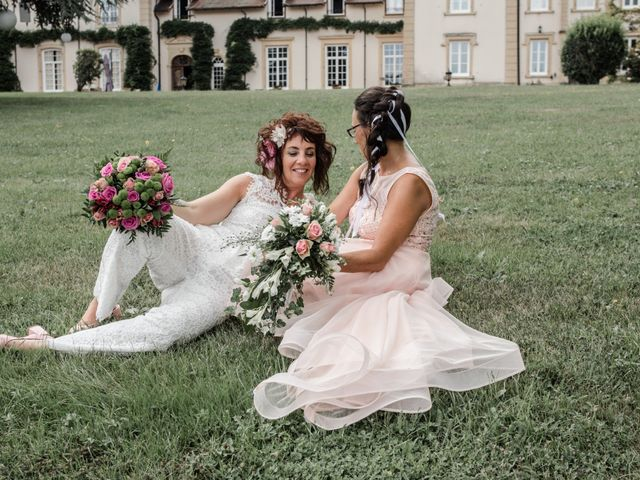 Le mariage de Sophie et Caroline à Cordelle, Loire 5