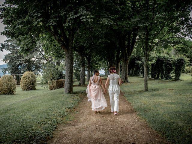 Le mariage de Sophie et Caroline à Cordelle, Loire 7