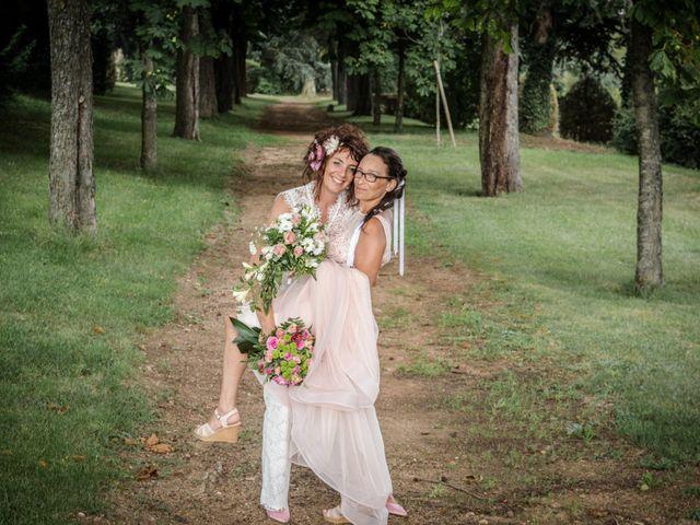 Le mariage de Sophie et Caroline à Cordelle, Loire 9