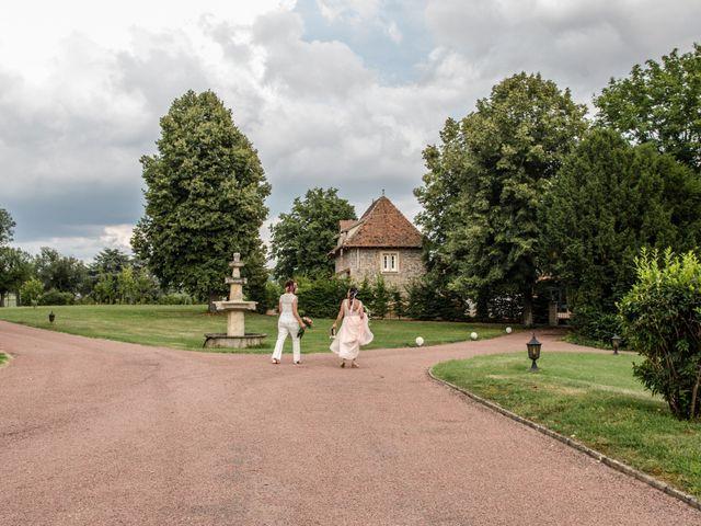 Le mariage de Sophie et Caroline à Cordelle, Loire 16
