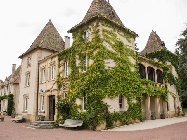Le mariage de Sophie et Caroline à Cordelle, Loire 17