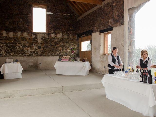 Le mariage de Sophie et Caroline à Cordelle, Loire 24