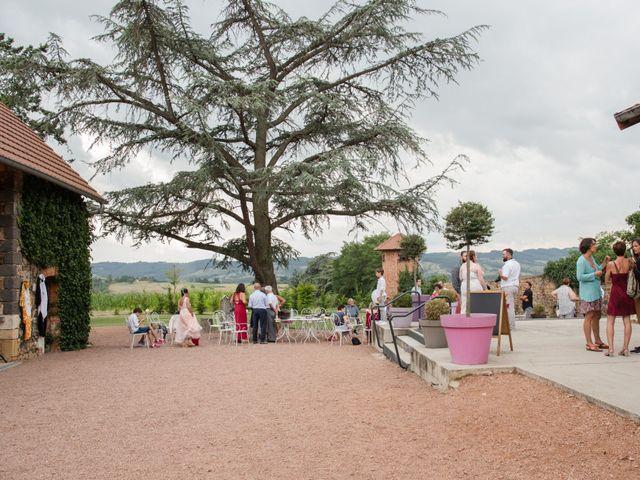 Le mariage de Sophie et Caroline à Cordelle, Loire 26
