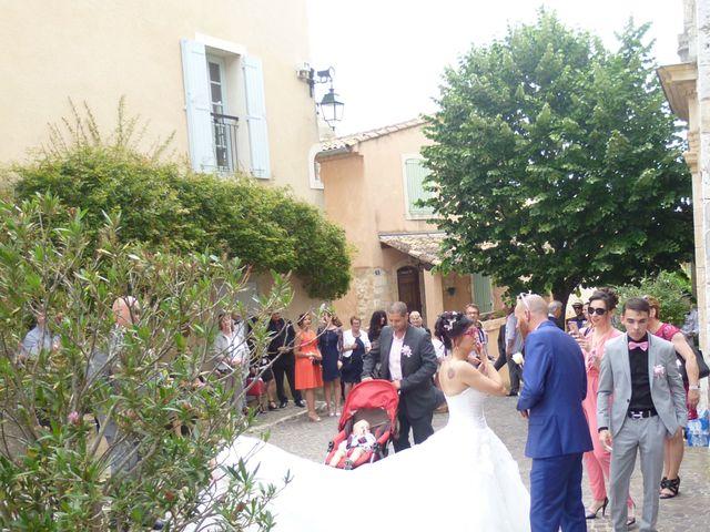 Le mariage de Alexandre et Nathalie   à Ventabren, Bouches-du-Rhône 4