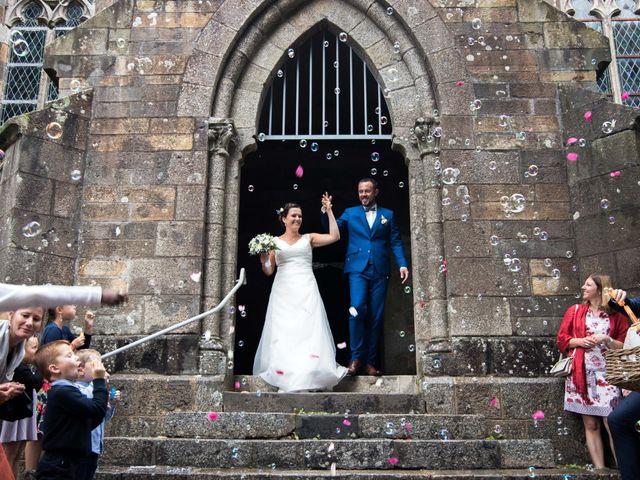 Le mariage de Frédéric et Estelle à Plougastel-Daoulas, Finistère 1