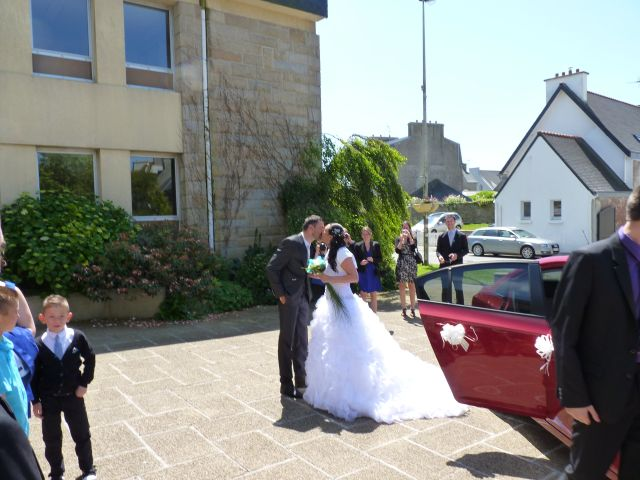 Le mariage de Céline et Julien à Ploudalmézeau, Finistère 3