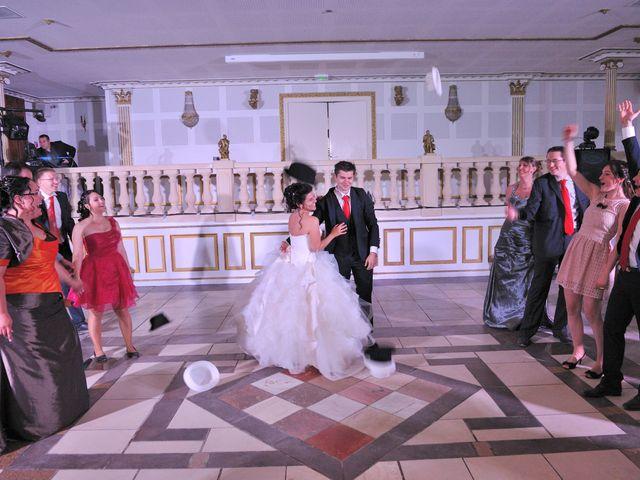 Le mariage de Caroline et Damascène à Fleurie, Rhône 23