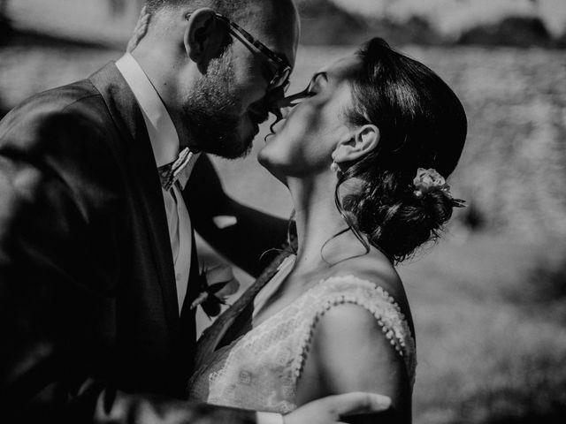 Le mariage de Basil et Lisa à Poët-Célard, Drôme 28