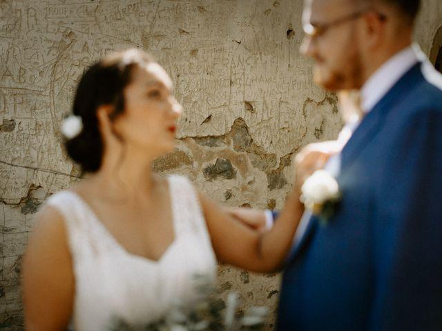 Le mariage de Basil et Lisa à Poët-Célard, Drôme 30