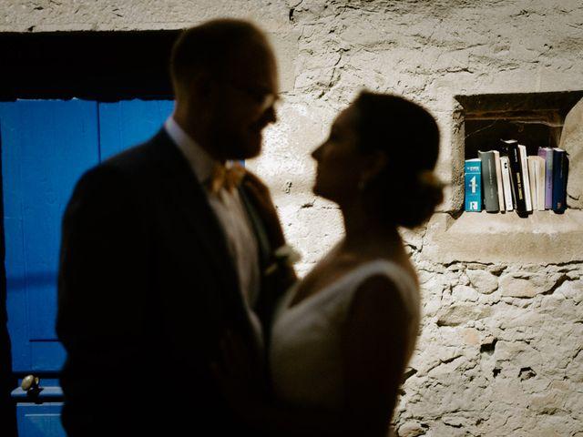 Le mariage de Basil et Lisa à Poët-Célard, Drôme 32