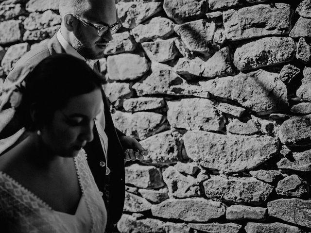 Le mariage de Basil et Lisa à Poët-Célard, Drôme 39