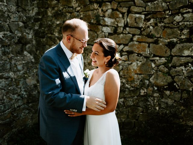 Le mariage de Basil et Lisa à Poët-Célard, Drôme 57