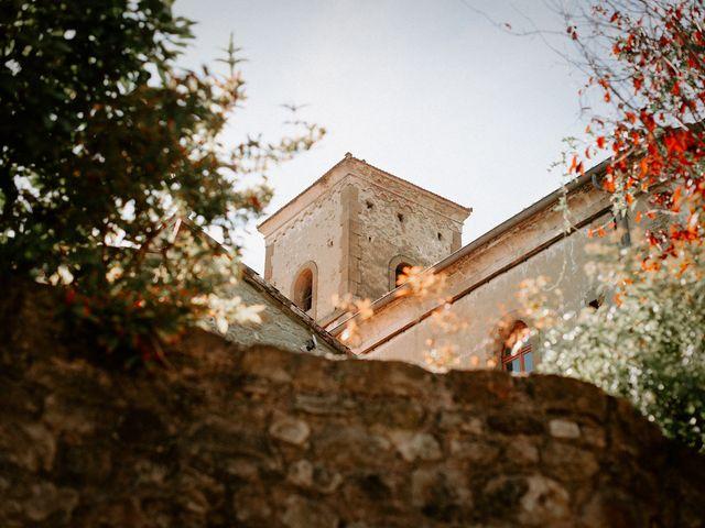 Le mariage de Basil et Lisa à Poët-Célard, Drôme 63