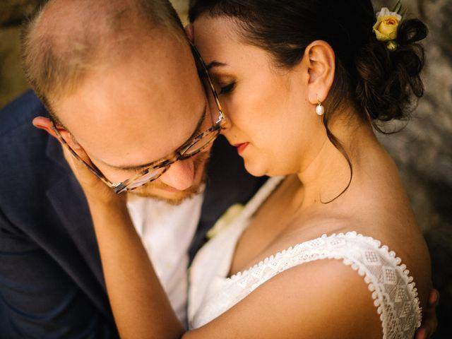 Le mariage de Basil et Lisa à Poët-Célard, Drôme 64