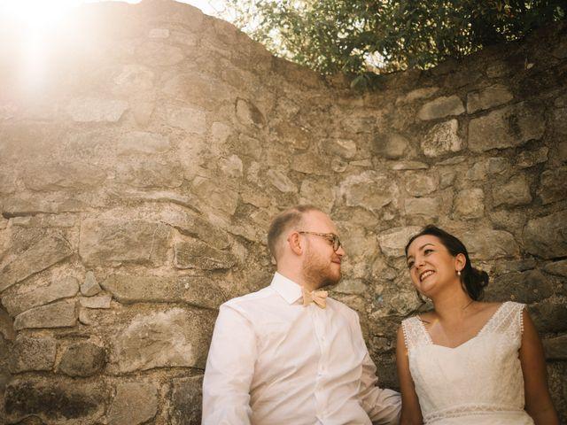 Le mariage de Basil et Lisa à Poët-Célard, Drôme 66