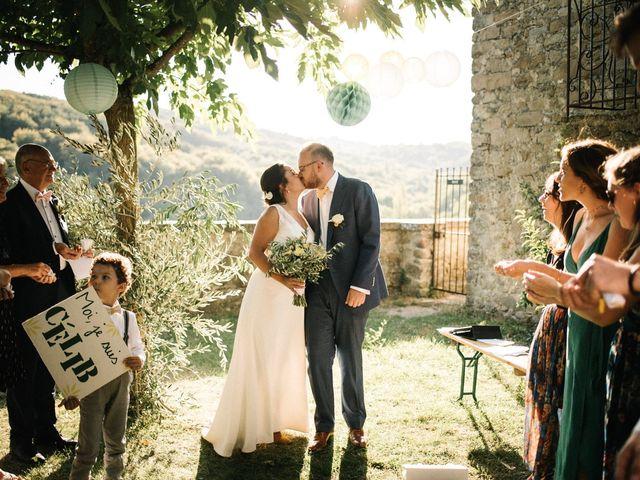 Le mariage de Basil et Lisa à Poët-Célard, Drôme 88