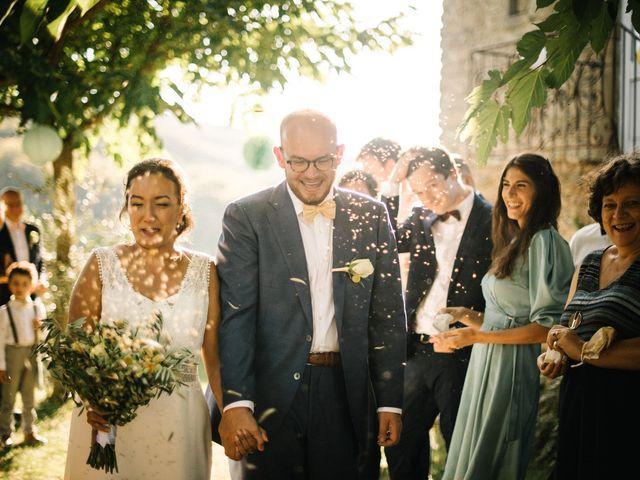 Le mariage de Basil et Lisa à Poët-Célard, Drôme 90