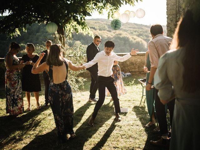 Le mariage de Basil et Lisa à Poët-Célard, Drôme 91