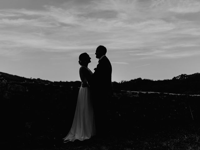 Le mariage de Basil et Lisa à Poët-Célard, Drôme 99