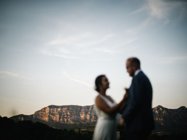Le mariage de Basil et Lisa à Poët-Célard, Drôme 104