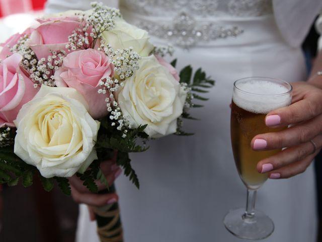 Le mariage de Alex et Annaïck à Busy, Doubs 2