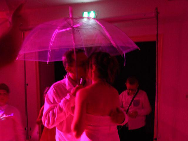 Le mariage de Alex et Annaïck à Busy, Doubs 4