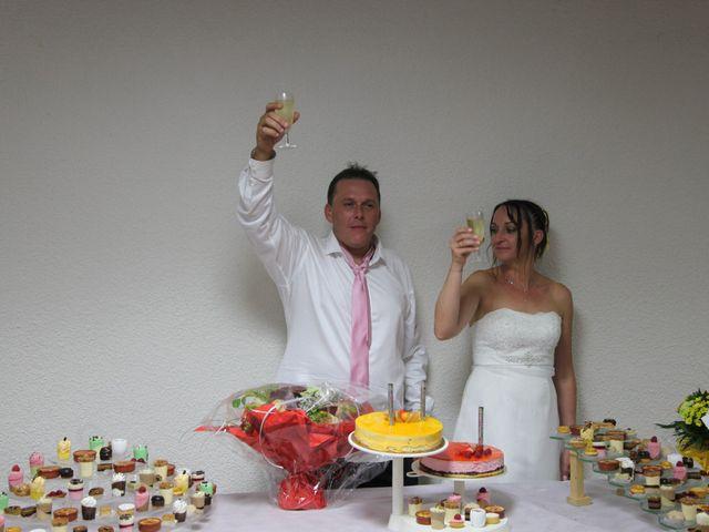 Le mariage de Alex et Annaïck à Busy, Doubs 9