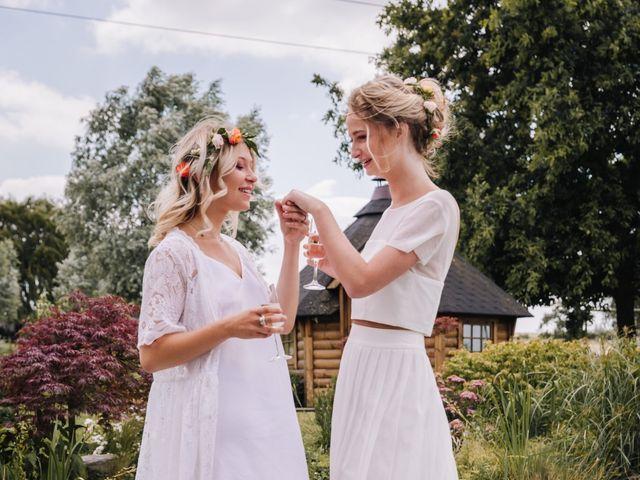 Le mariage de Elise et Myriam à Halluin, Nord 10