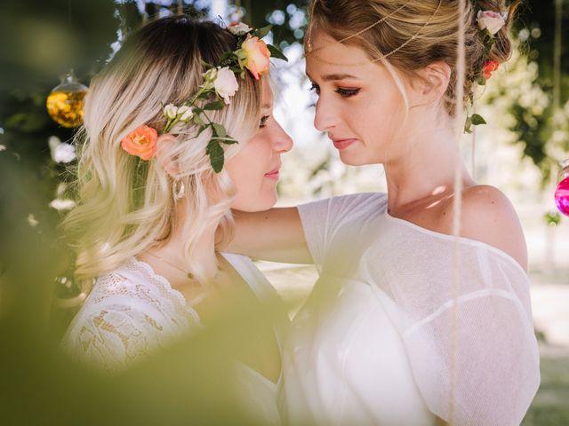 Le mariage de Elise et Myriam à Halluin, Nord 27