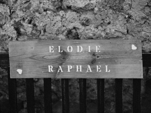 Le mariage de Elodie et Raphaël à Entrecasteaux, Var 4