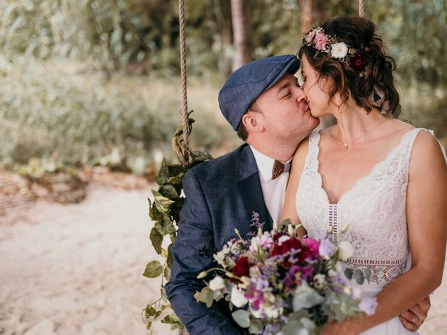 Le mariage de Elodie et Raphaël à Entrecasteaux, Var 60