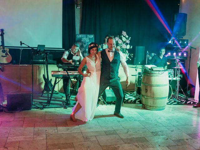 Le mariage de Elodie et Raphaël à Entrecasteaux, Var 101