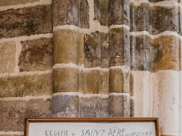 Le mariage de Christophe et Mélanie à Vézelay, Yonne 33
