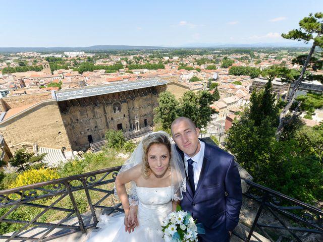 Le mariage de Jonathan et Pauline à Camaret-sur-Aigues, Vaucluse 11