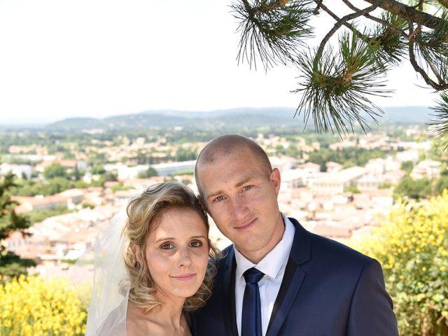 Le mariage de Jonathan et Pauline à Camaret-sur-Aigues, Vaucluse 13