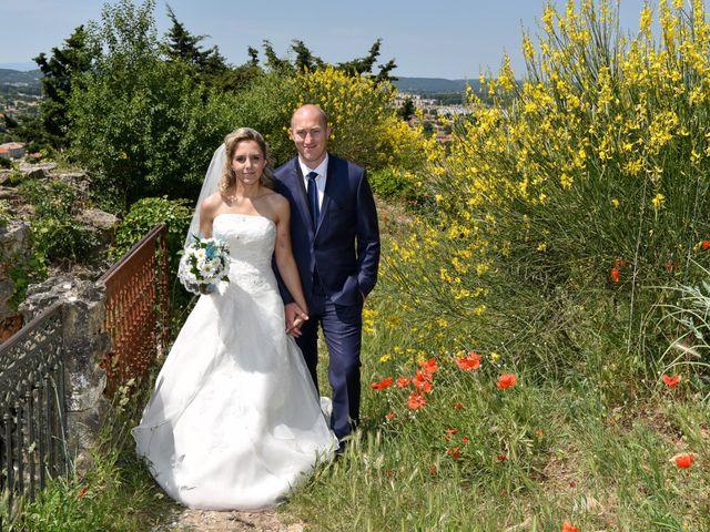Le mariage de Jonathan et Pauline à Camaret-sur-Aigues, Vaucluse 14