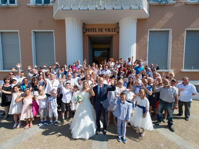 Le mariage de Jonathan et Pauline à Camaret-sur-Aigues, Vaucluse 18