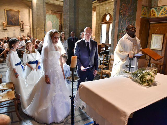 Le mariage de Jonathan et Pauline à Camaret-sur-Aigues, Vaucluse 21