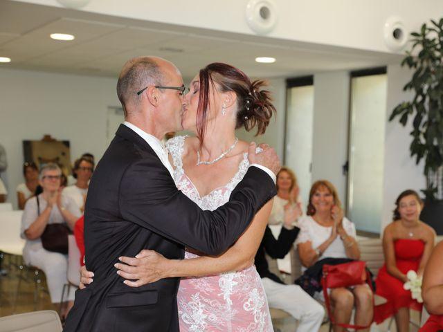 Le mariage de Christophe et Sandra à Vergèze, Gard 15
