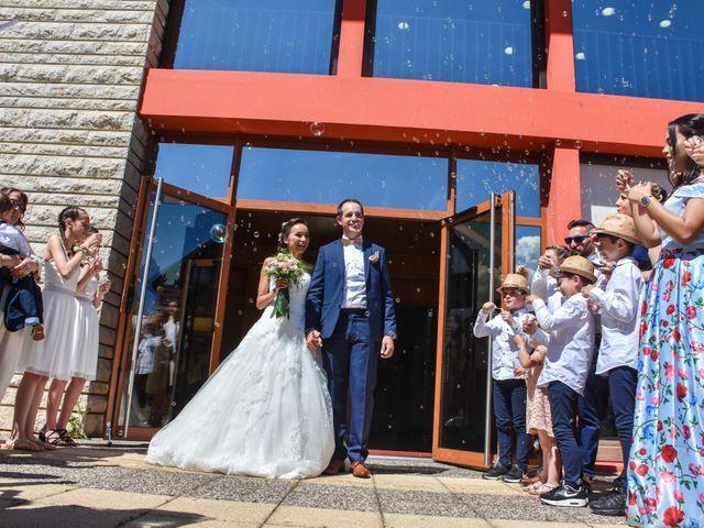 Le mariage de Anthony et Anaïs à Saint-Cassin, Savoie 14