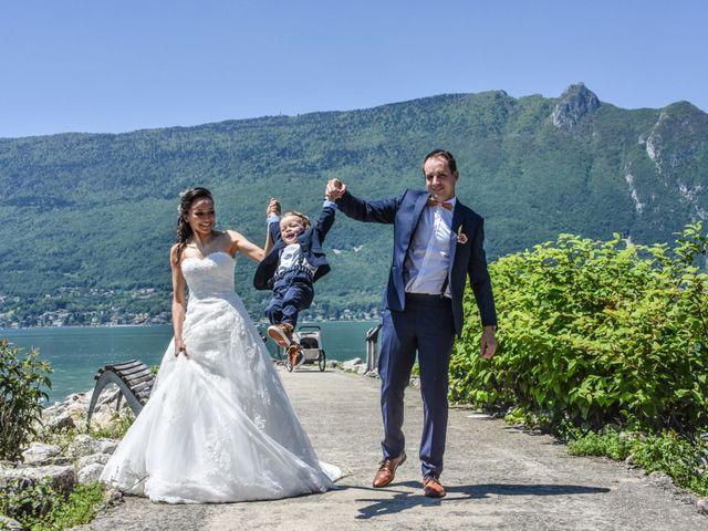 Le mariage de Anthony et Anaïs à Saint-Cassin, Savoie 27