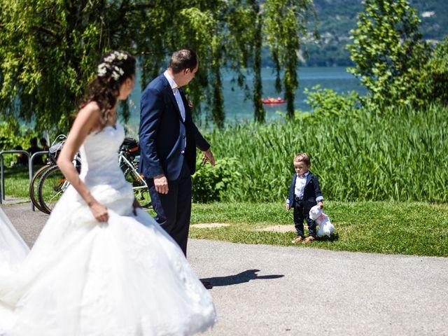 Le mariage de Anthony et Anaïs à Saint-Cassin, Savoie 29